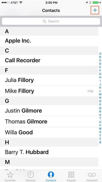بخش تماس ها یا Contacts را بتپید, سپس دکمه + در بالا گوشه سمت رایت را بتپید, روشتک