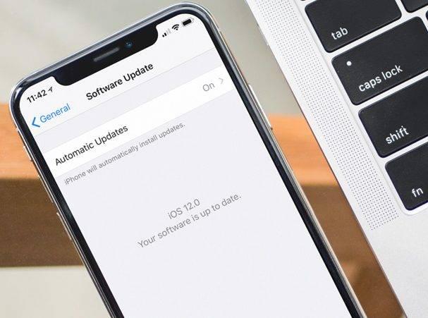 Photo of روش فعال کردن آپدیت خودکار در iOS 12