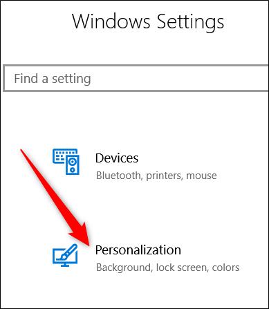 در ویندوز 10 با کلیک منوی Start، و سپس کلیک آیکون چرخ دنده، به بخش Settings یا تنظیمات ویندوز بروید. البته برای رفتن به بخش Settings یا تنظیمات ویندوز 10 می توانید از کلید های میانبر Windows + i استفاده کنید, در میان فهرست دسته بندی های بخش Settings، دسته بندی Personalization را بکلیکید,روشتک,raveshtech