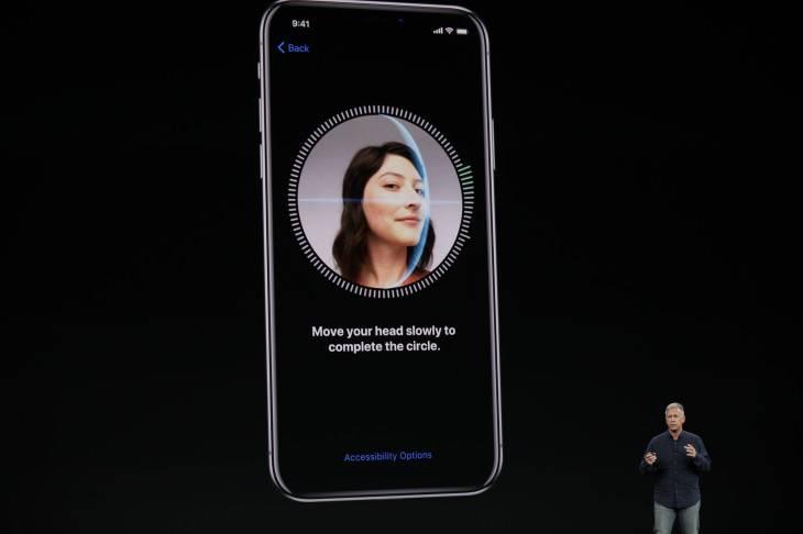تصویر روش افزودن چهره دوم به Face ID آیفون iOS 12