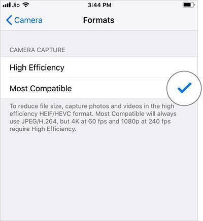 چگونه در iOS12، بجای ذخیره عکس ها با پسوند HEIC، آنها را با پسوند JPEG ذخیره کنیم, در آیفون یا آیپد iOS 12 خود به بخش Settings یا تنظیمات بروید, Camera را بتپید, سپس Format را بتپید, پس از آن گزینه Most Compatible را برگزینید,روشتک,raveshtech