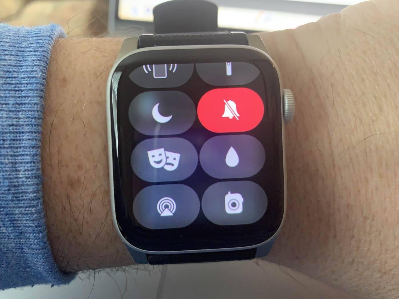 Photo of روش فعال کردن Silent Mode در اپل واچ