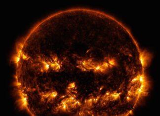 عکس هالووین ناسا از خورشید که همانند یک کدو تنبل جشن Halloween