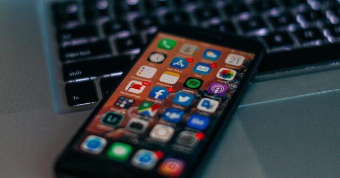 اپلیکیشن تلفن های هوشمند و لپ تاپ ها