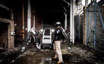 ربات شش پای مانتیس بزرگترین ربات سوار شدنی جهان