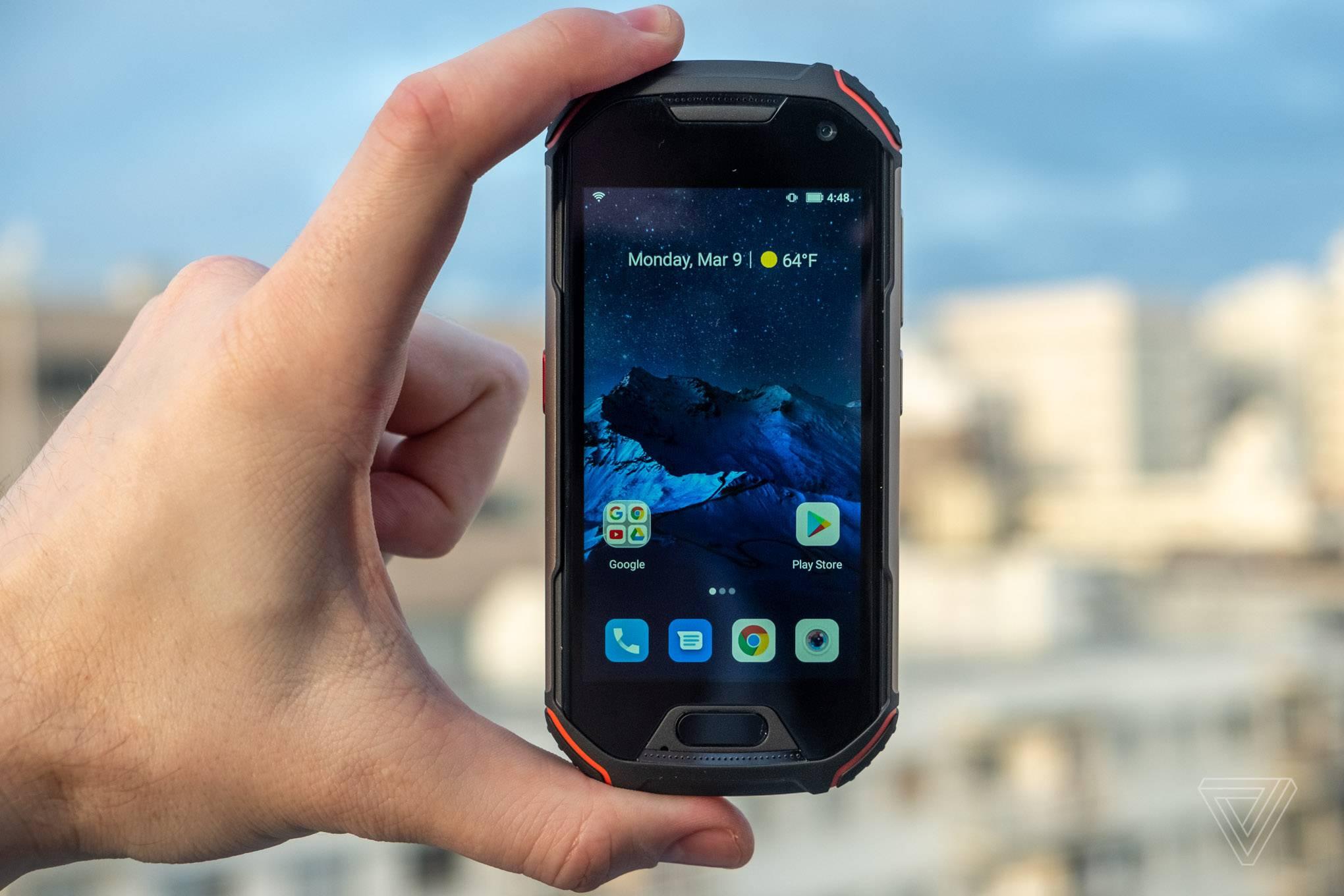 Photo of گوشی Unihertz Atom XL شاید کوچکترین گوشی 4G سرسخت جهان باشد