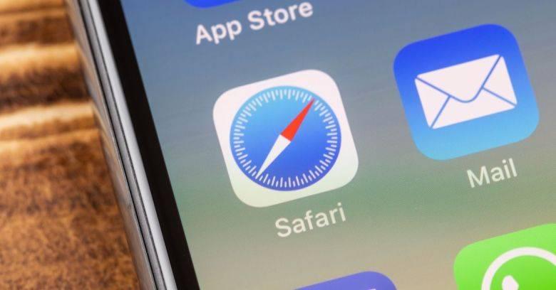 تصویر روش افزودن وبسایت به صفحه اصلی آیفون و آیپد با استفاده از مرورگر Safari